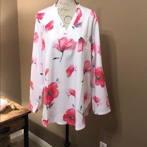 Tops - Floral tunic top